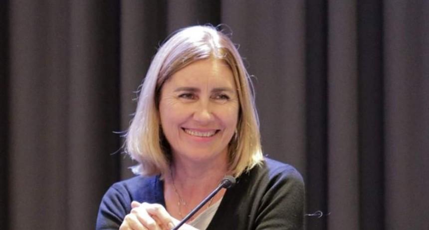 Liliana Schwindt busca declarar 'derecho humano' a la telefonía celular y a internet