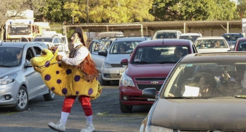 """Es furor el """"Auto Circo"""" en la Provincia de San Luis"""