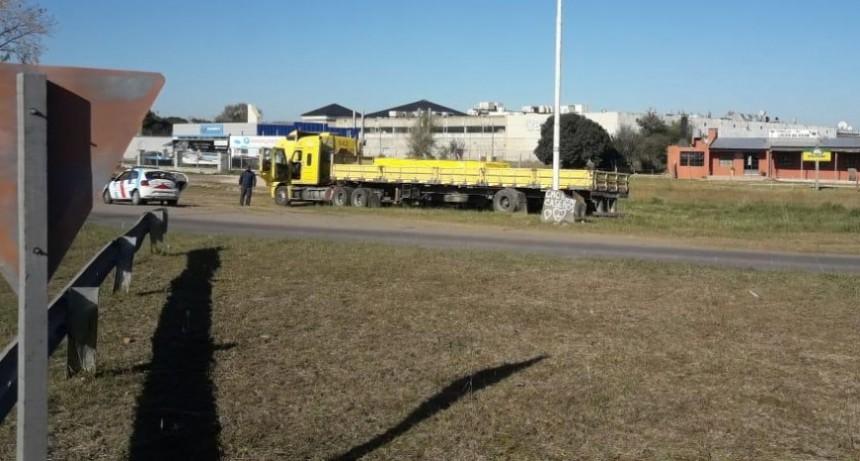 Notifican a camioneros chilenos por incumplir decretos sobre el acceso a la ciudad