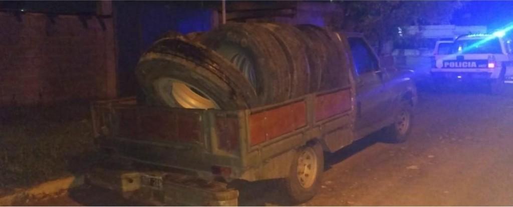 Recuperan neumáticos sustraídos en Loma Negra