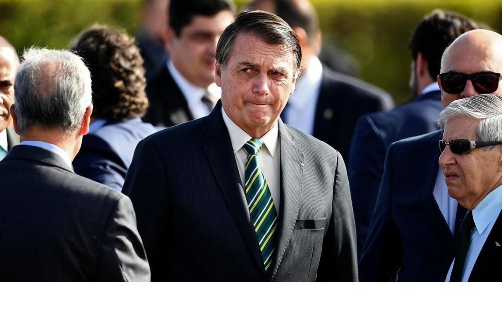 Bolsonaro amenazó con decretar fin de las cuarentenas y vincula a China con la creación de virus