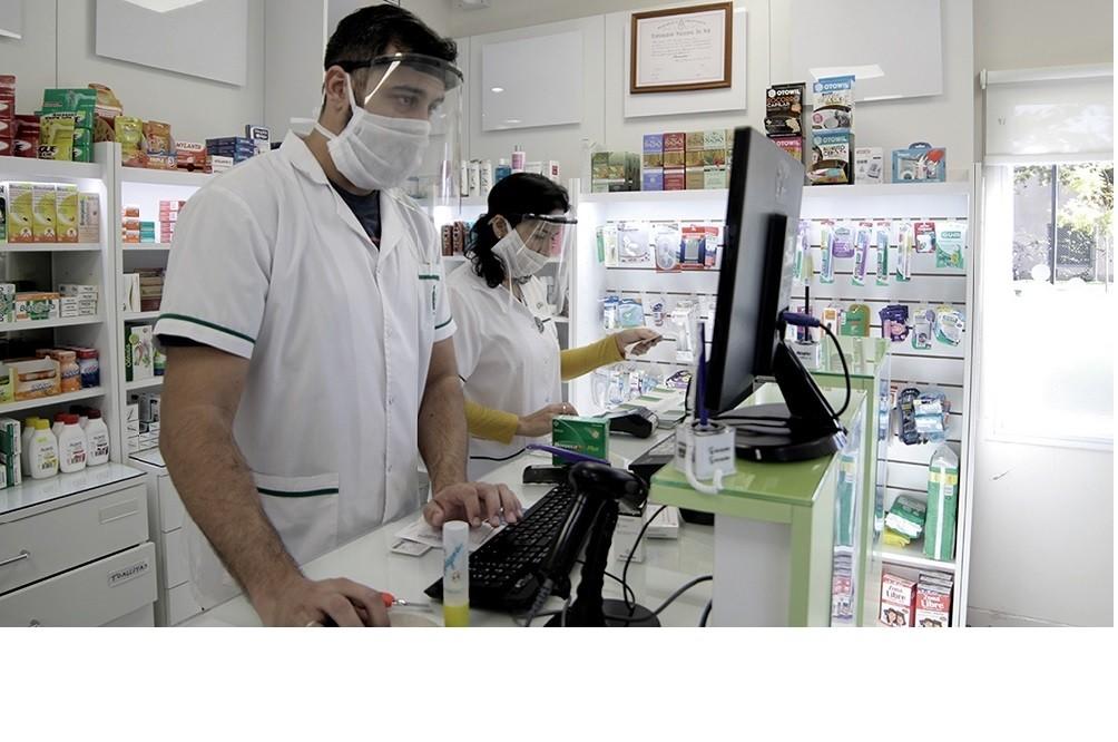 La provincia prohibió la comercialización del  test de coronavirus en farmacias