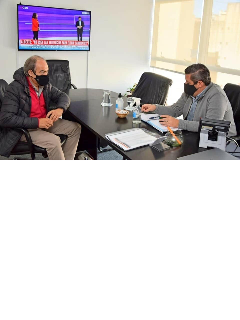 Tapalqué: reunión de trabajo con el Subadministrador de ENOHSA