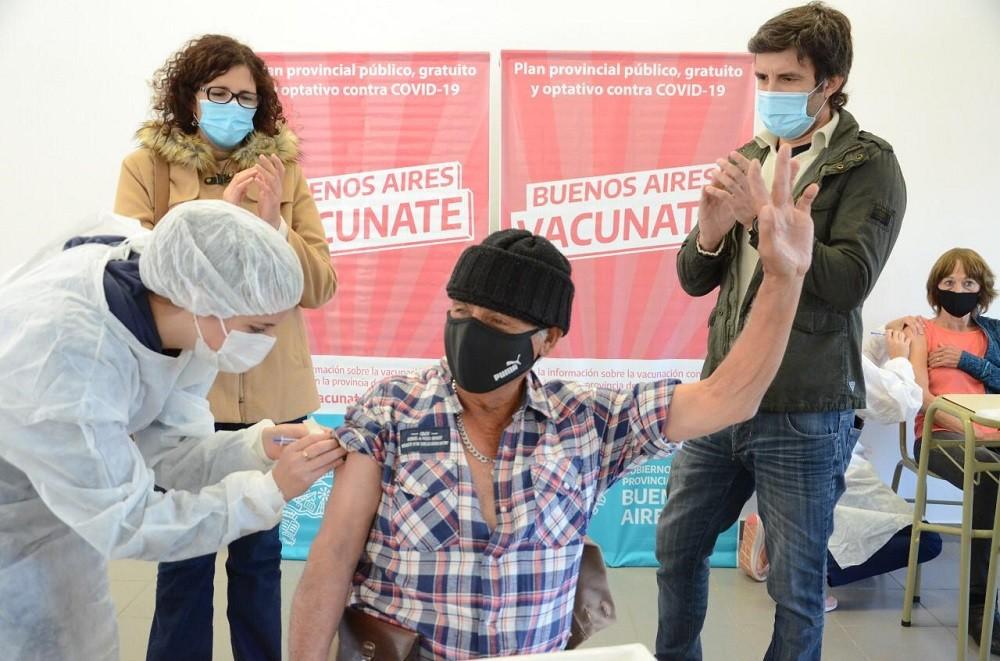 Plan provincial de vacunación: esta semana fueron vacunadas 4.366 personas y Olavarría se acerca al 50% de la población objetiva inoculada