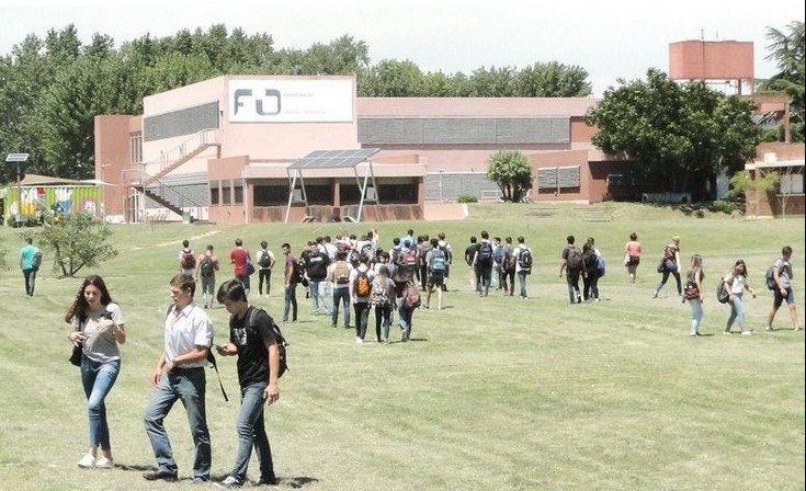 Acordaron un 35% de aumento con gremios universitarios docentes y no docentes