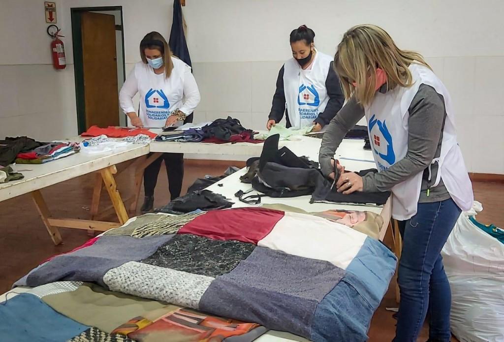 Bonaerenses Solidarios se suma a la campaña 'Abrigamos tu invierno'