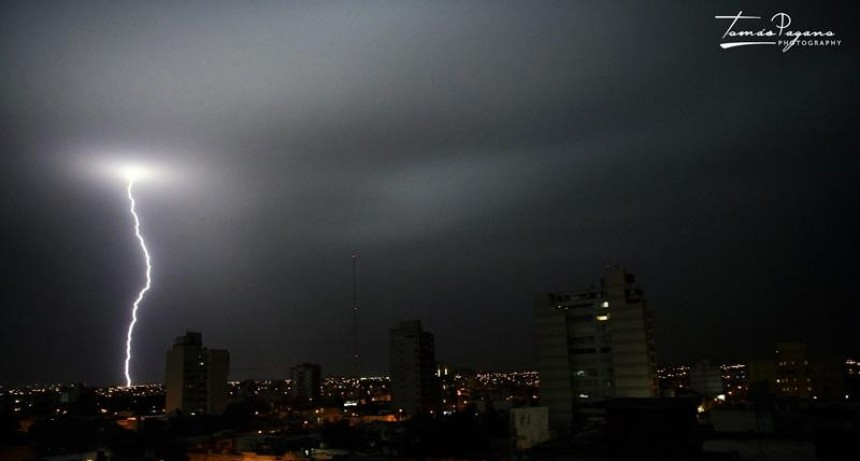 Los cortes de energía del domingo se produjeron por rayos