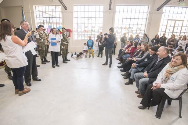 Azul: En un emotivo acto la Escuela Nº 17 celebró un nuevo aniversario en su edificio reconstruido