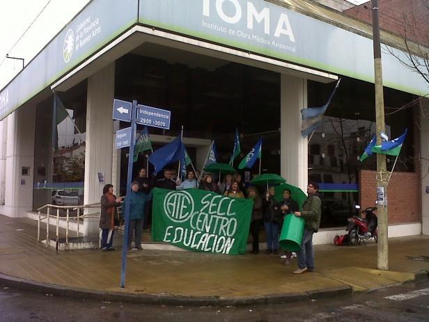 ATE y UDOCBA manifestaron en IOMA