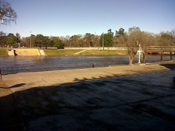 Tranquilidad por el arroyo, pese a las lluvias