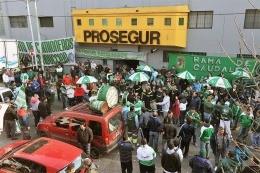 Entidades de combustibles bonaerenses acusan a Moyano de
