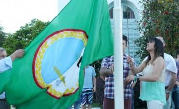 Alvear: entrega simbólica de banderas alvearenses