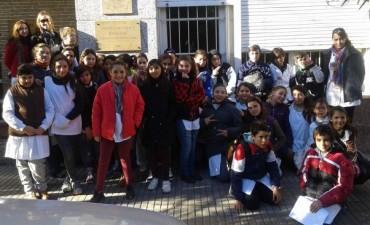 Alumnos de la Escuela 50 en el Archivo Histórico