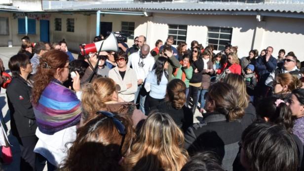 Amianto: La escuela 49 dictará clases en Villa Floresta hasta solucionar el tema