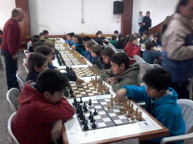La Escuela Municipal de Ajedrez participó del Gran Prix Provincial en 9 de Julio