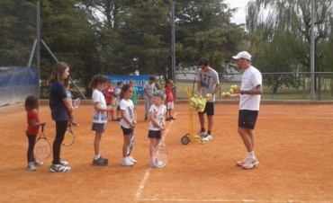 Se inicia  el tenis social en La Pedrera