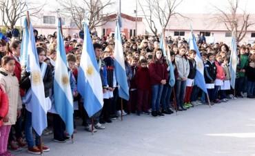 Más de 600 chicos juraron fidelidad la bandera