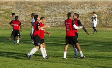 Fútbol local: 1ra. Final del Torneo Inicial entre Estudiantes-Ferro