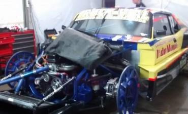 Guillermo Otero complicado en la 2da. Serie del Turismo 4000 Argentino
