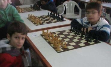 Ajedrez: La Escuela Municipal  de Olavarría ganó la etapa provincial en 9 de Julio