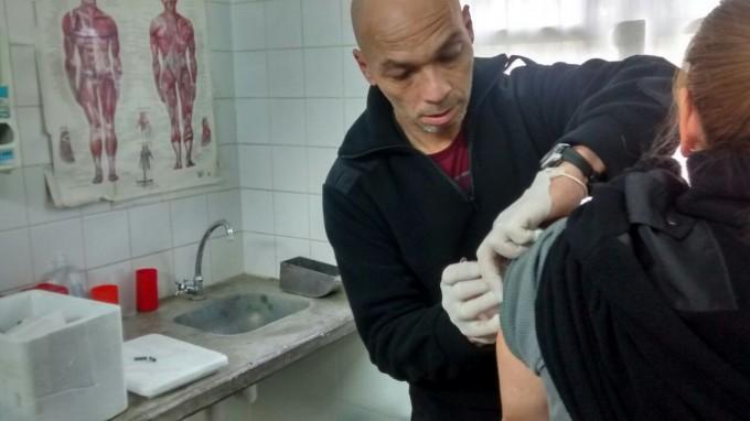 Vacunan contra la gripe en la Unidad Nº 38