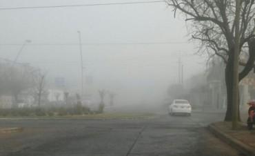 Espesa niebla cubre el Centro de la Provincia
