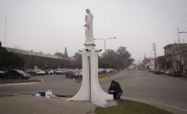 Azul: culminó la restauración de la Virgen de la rotonda de la Terminal