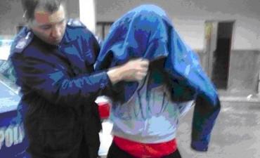 Un detenido por un robo agravado por uso de arma
