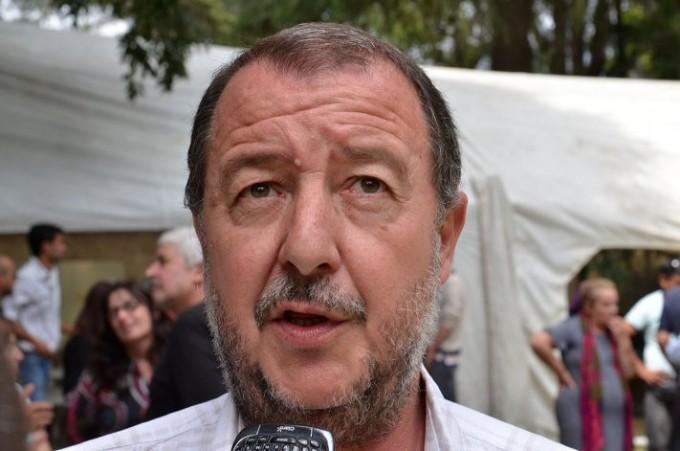 Bajamón solicita por los baños de la Escuela del Barrio Jardín y Canal 8 de Mar del Plata