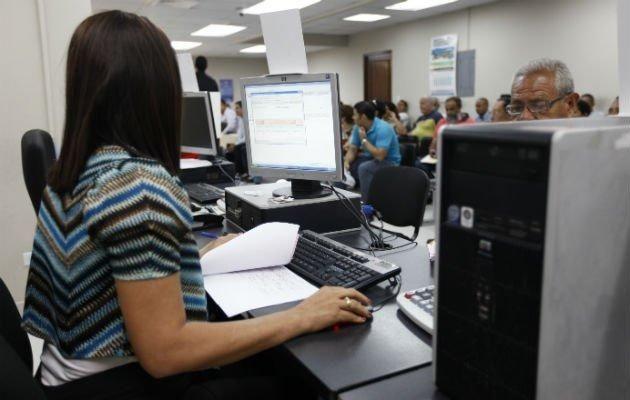Rige en la Provincia el decreto que establece retiros voluntarios de estatales