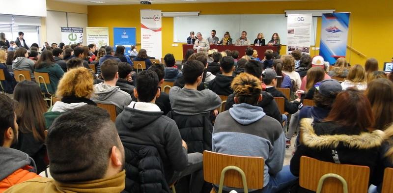 Estudiantes de escuelas secundarias, en carrera hacia la innovación