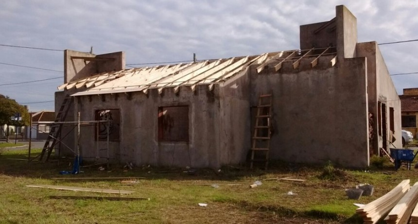 Viviendas: el Intendente destacó el reinicio de obras en el barrio UOCRA