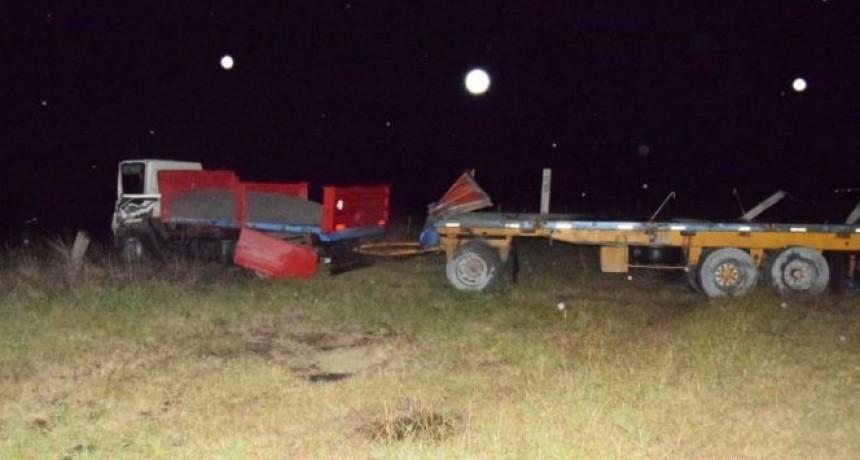 Chocaron dos camiones en Ruta 226