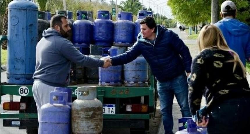 Unidad Ciudadana continúa con los operativos de venta de garrafas a $180