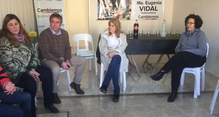Lordén de recorrida con legisladores en Las Flores, Azul, Benito Juárez y Tandil