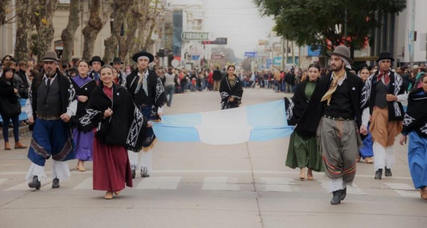 El Municipio invita a participar del Desfile del 9 de julio