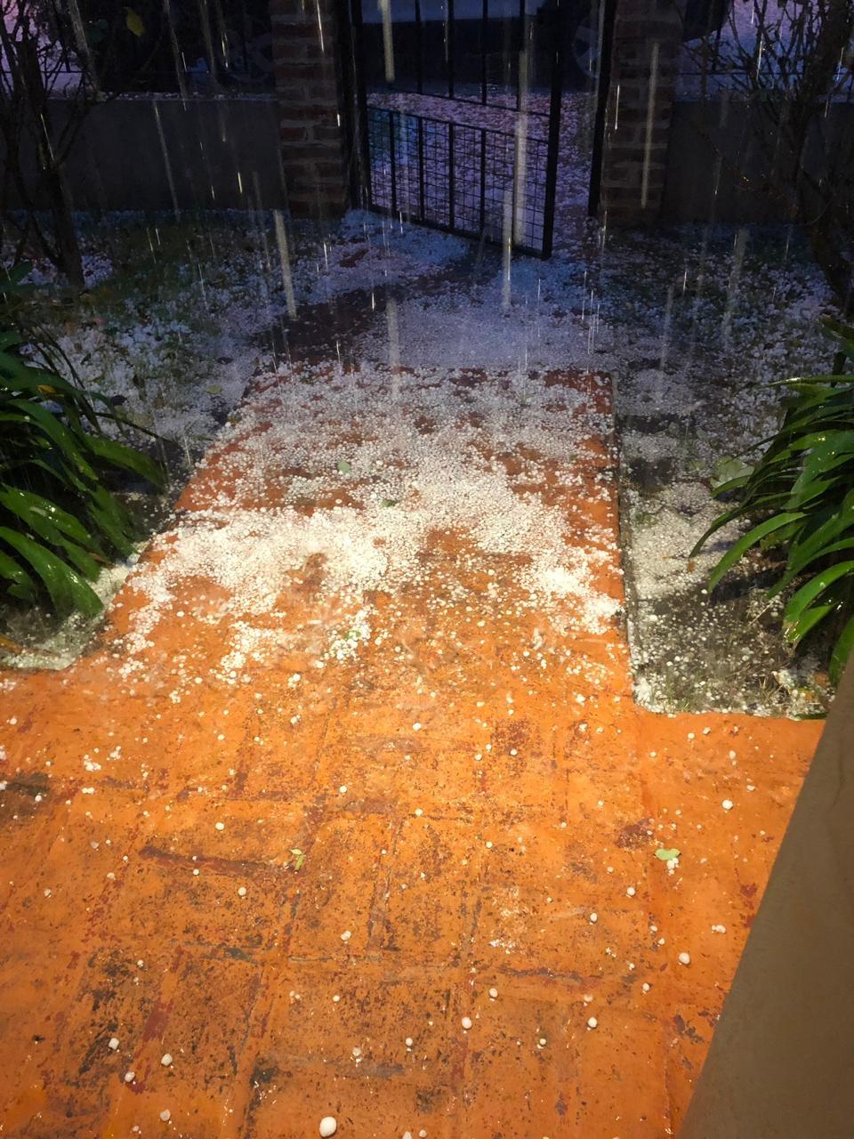 Tormenta: lluvia y piedras
