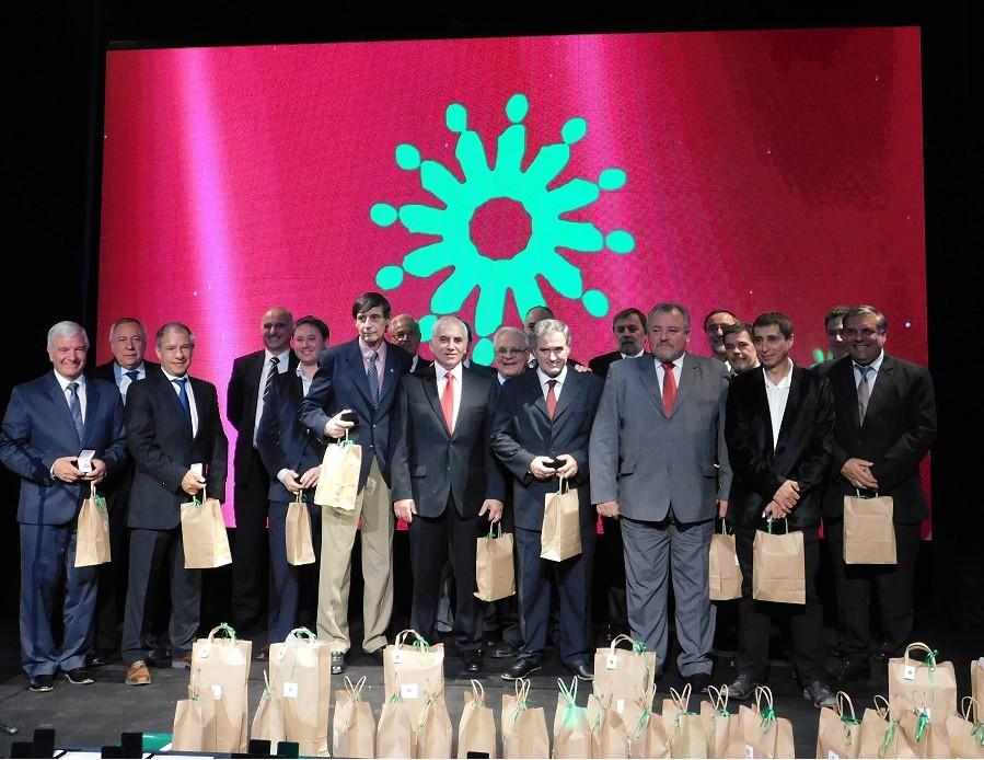 El Colegio de Ingenieros homenajeó a profesionales de toda la provincia que cumplieron 30 y 50 años de ejercicio