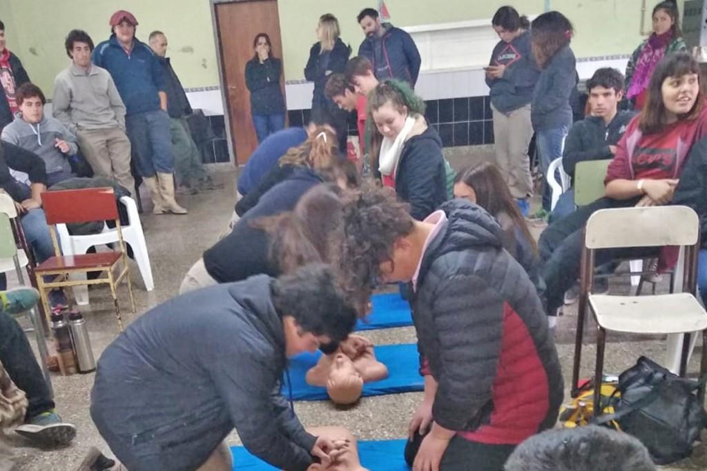 Olavarría Ciudad Cardioprotegida: capacitación en la Escuela Agropecuaria