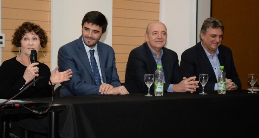 El intendente encabezó la apertura de la Primera Capacitación sobre Accesibilidad Cognitiva del país