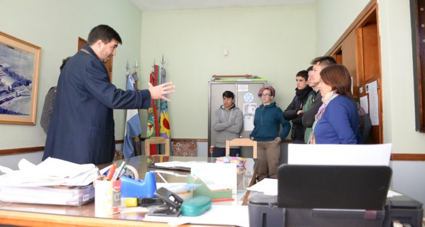 El intendente Galli visitó la Escuela Técnica 2