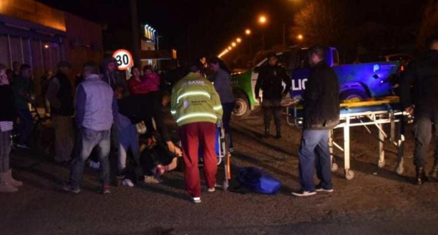 Hecho de tránsito deja a tres peatones heridos