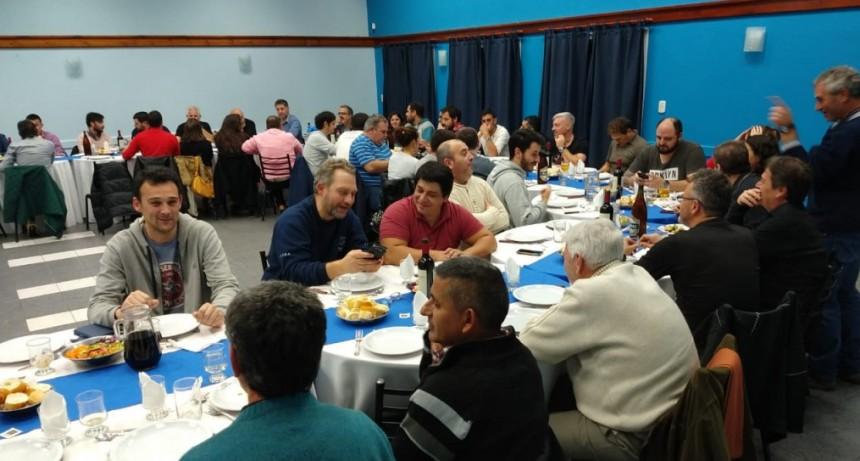 AOMA Olavarría agasajó a más de 50 periodistas locales