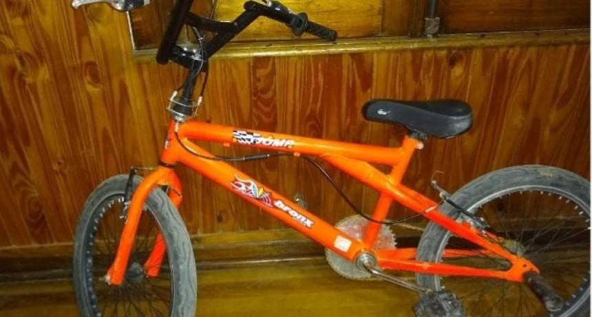 Dos aprehendidos por sustraer una bicicleta