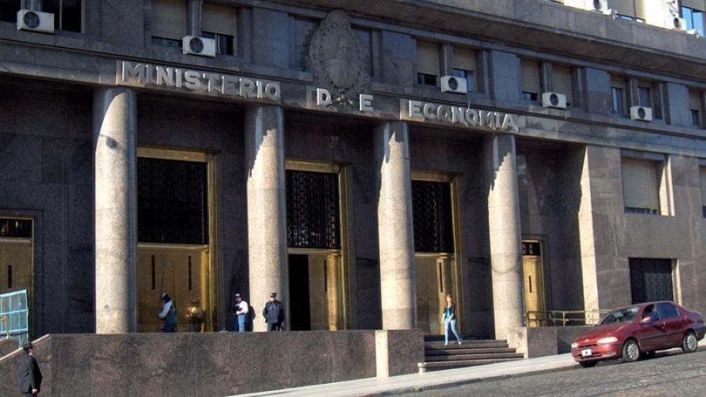 Economía prorrogó hasta el 24 de julio el plazo para que los bonistas acepten el canje