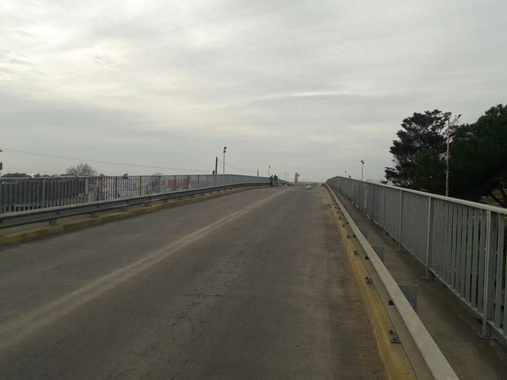 Corte de tránsito en el puente de Colón