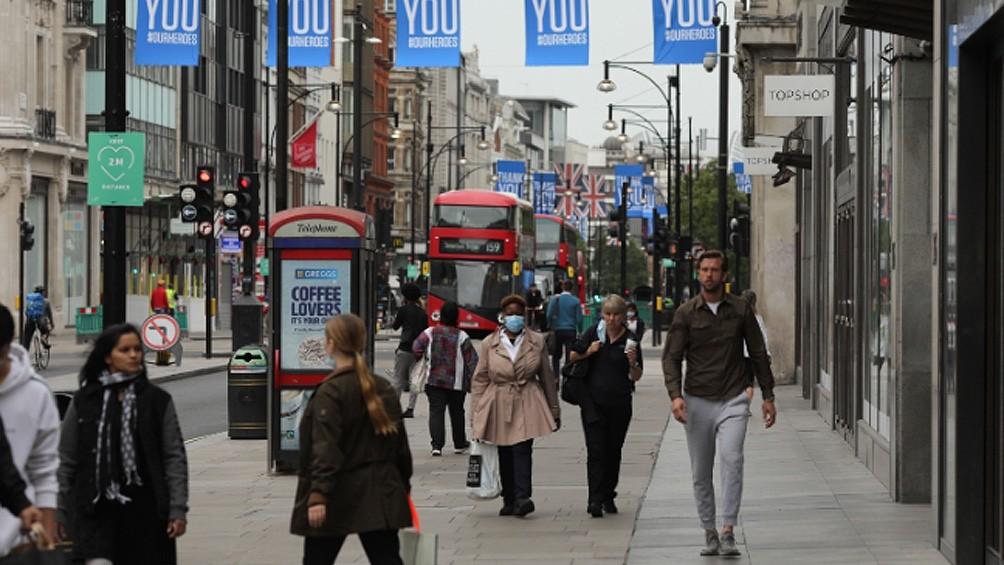 Londres y varias ciudades inglesas registraron brotes de coronavirus
