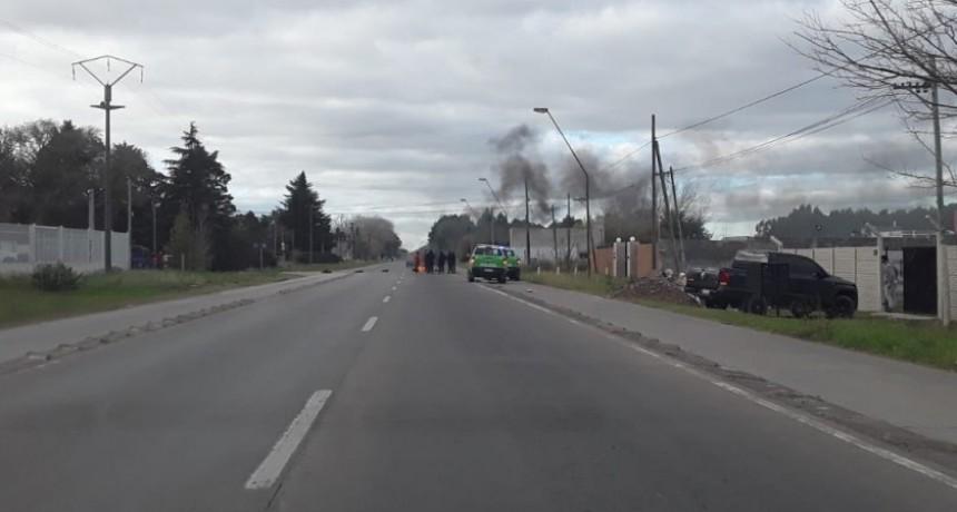 Vecinos del barrio Matadero protestan por la llegada de camiones