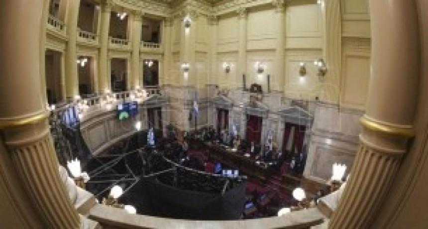 Juntos por el Cambio se negó a debatir los DNU en el Senado y abandonó la sesión