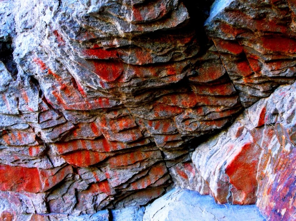Descubren pinturas rupestres en un sector de la Reserva Natural Sierras Grandes en Tornquist